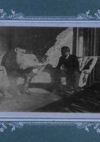 LNTI 1.02 L.N. Tolstoï et N.L. Obolenski à Yalta dans l'appartement des Obolenski