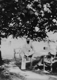 LNTI 1.17 L.N. Tolstoï et S.I. Taneïev à Iasnaïa Poliana, été 1896