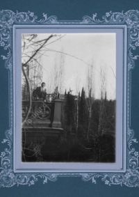 LNTI 1.40 L.N. Tolstoï et M.L. Obolenski à Yalta chez M.L. et N.L. Obolenski