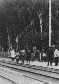 LNTI 2.42 L.N. Tolstoï sur le quai d'une gare