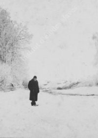 LNTI 2.44 L.N. Tolstoï se promenant dans la neige