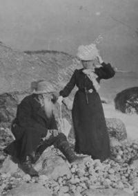 LNTI 3.03 L.N. Tolstoï et Sofia Tolstoï au bord de la mer Noire