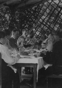 LNTI 3.09 L.N. Tolstoï invité chez sa fille Tatiana à Kotchety