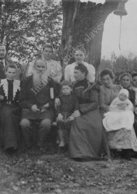 LNTI 3.42 L.N. Tolstoï en famille sous l'arbre des pauvres