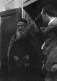 LNTI 4.14 L.N. Tolstoï au seuil d'une maison