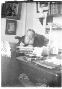 LNTI 5.15 L.N. Tolstoï dans son cabinet de travail