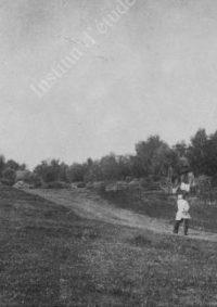LNTI 5.27 L.N. Tolstoï dans le village de Iasnaïa Poliana