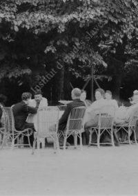 LNTI 7.12 La famille Tolstoï et des invités