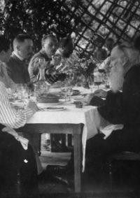 LNTI 7.15 L.N. Tolstoï invité chez sa fille Tatiana à Kotchety