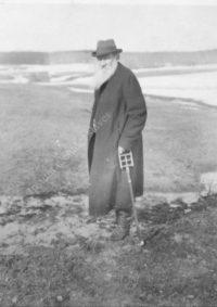 LNTI 7.17 L.N. Tolstoï au bord d'un lac