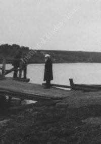 LNTI 7.20 L.N. Tolstoï près d'un pont
