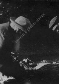 LNTI 7.30 Tolstoï sciant du bois avec un ouvrier dans la propriété de Kotchety