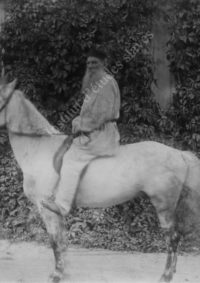 LNTI 8.25 L.N. Tolstoï à cheval