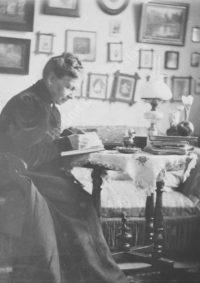 LNTI 1.38 Sofia Tolstoï en train d'écrire «Ma vie»