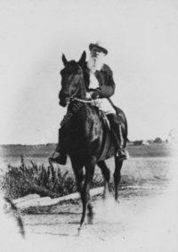LNTI 2.41 L.N. Tolstoï à cheval