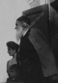 LNTI 4.03 L.N. Tolstoï au seuil d'une maison
