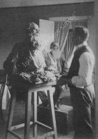LNTI 4.17 L.N. Tolstoï posant pour le sculpteur P.P. Troubetskoï