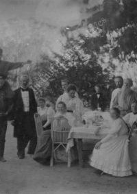 LNTI 4.19 L.N. Tolstoï en famille avec des invités