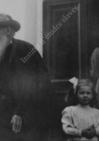 LNTI 4.45 L.N. Tolstoï et sa petite-fille Tanetchka