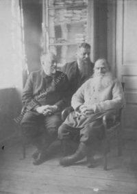 LNTI 5.22 L.N. Tolstoï avec M. Soukhotine et M. Stakhovitch